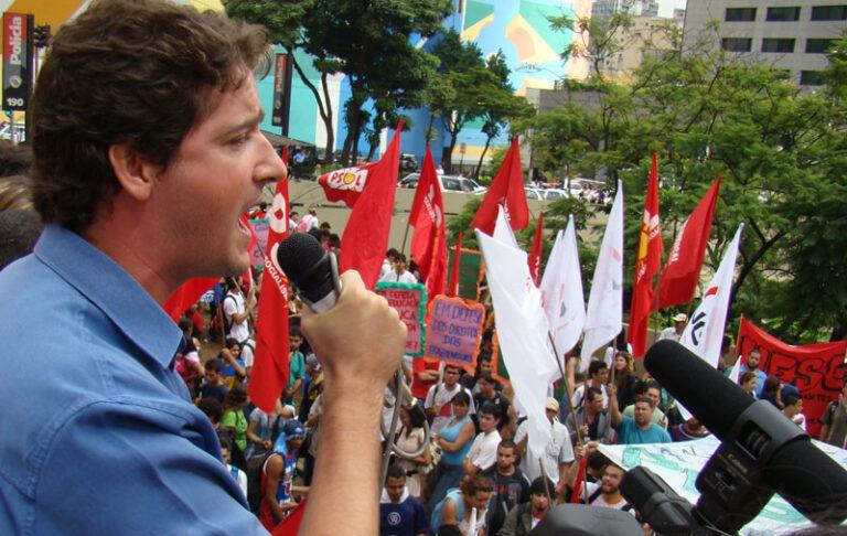 Raul fala sobre a frente parlamentar em defesa dos movimentos sociais e liberdades democráticas