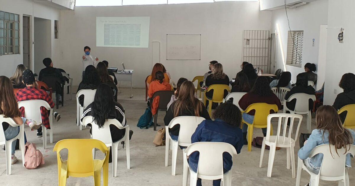 Coletivo de professores oferece curso pré-vestibular gratuito em Sorocaba