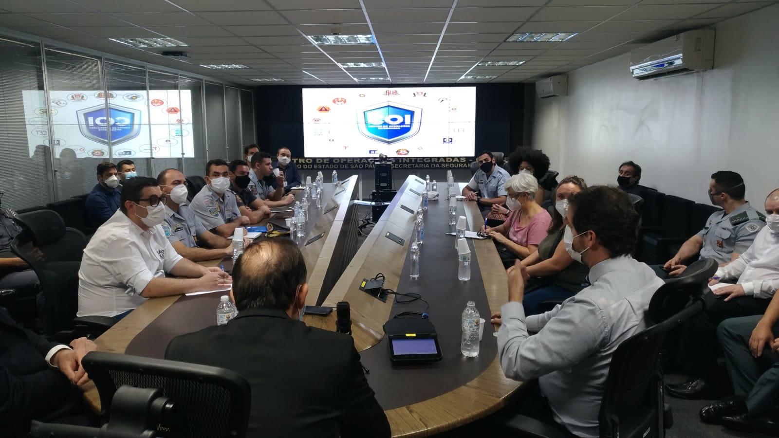 Raul Marcelo faz reunião com representantes da segurança pública para tratar sobre as ações feitas pelos movimentos sociais