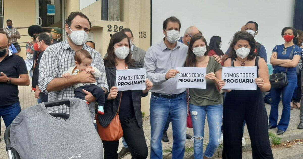 Raul participa de ato contra a extinção da Proguaru; 4,7 mil trabalhadores vão perder o emprego