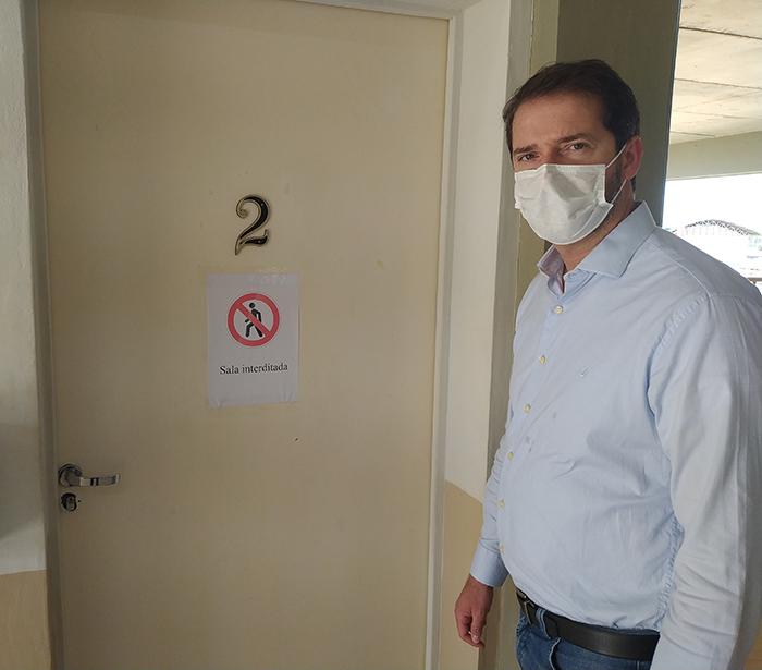 Raul Marcelo visita escola de Iperó e cobra urgentemente melhorias do governo estadual