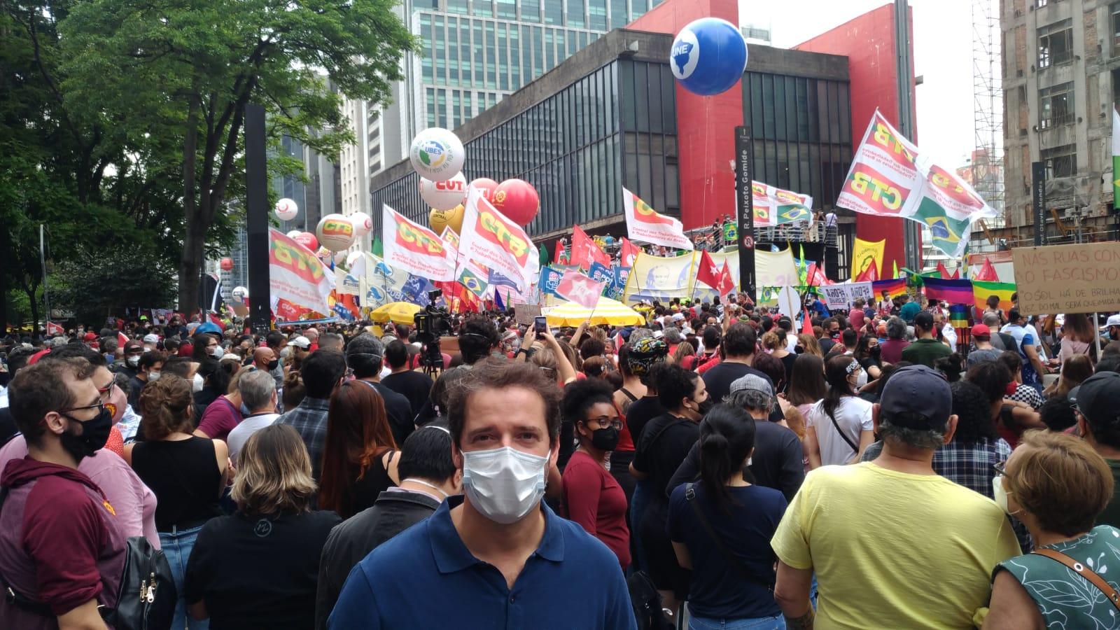Direto da Avenida Paulista, Raul Marcelo pede impeachment de Bolsonaro #2OutForaBolsonaro