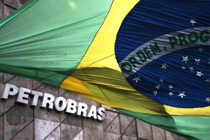 PSOL propõe redução de preços de gasolina, diesel e gás de cozinha com base nos custos de produção da Petrobras